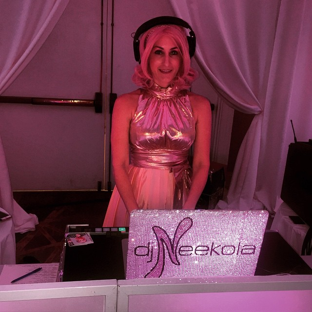 dj neekola working